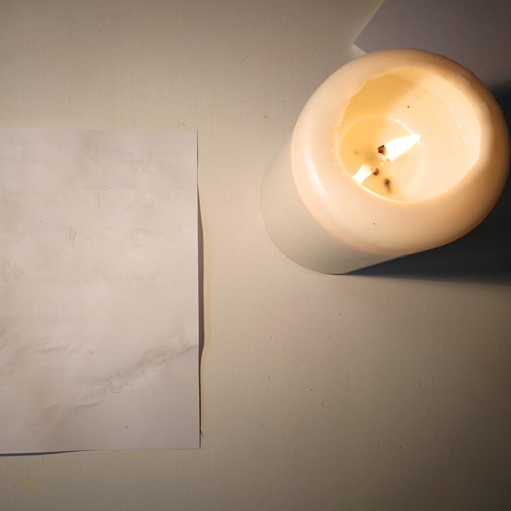 Unsichtbare Schrift - Kerze