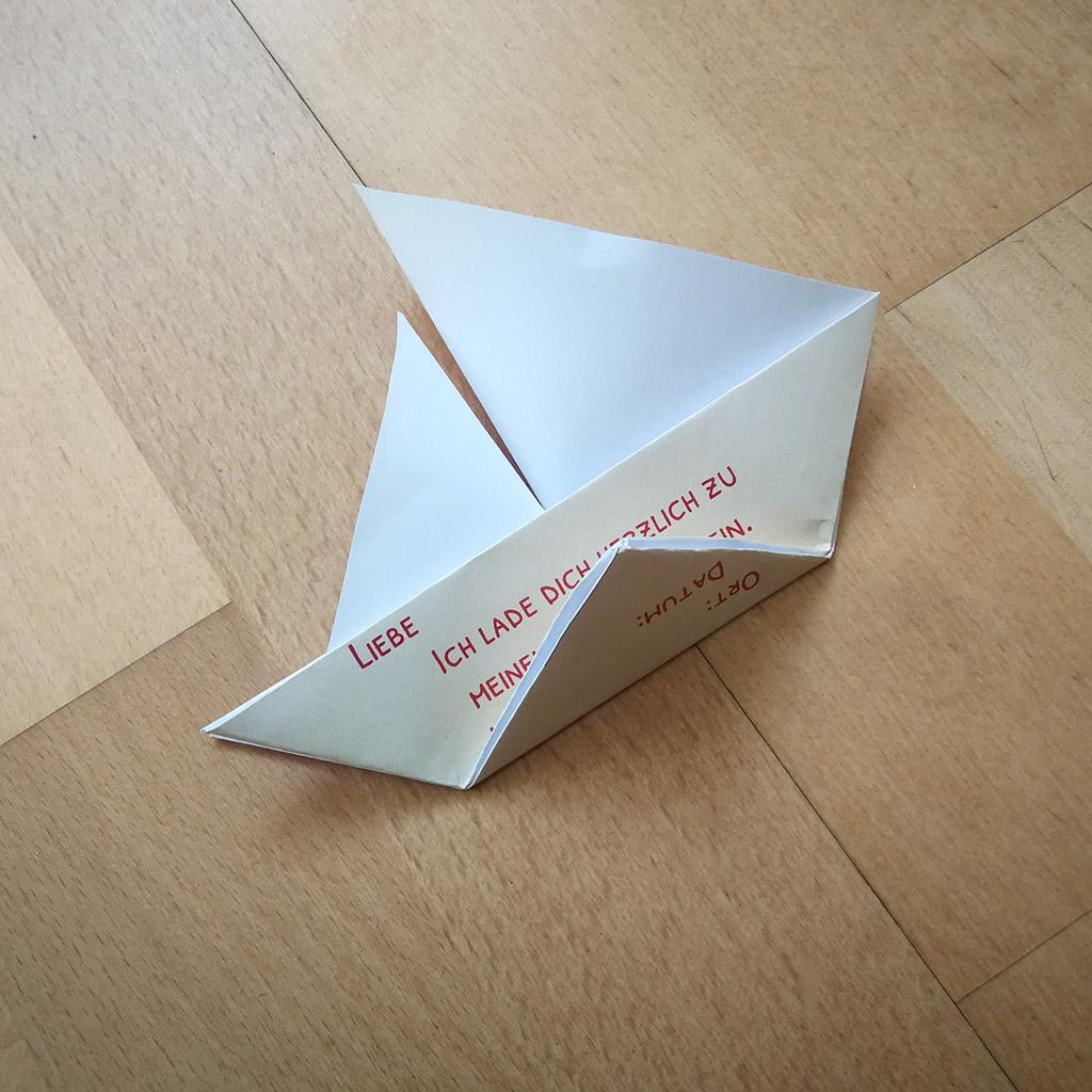 Piraten-Segelschiff-Einladung: Schritt 7