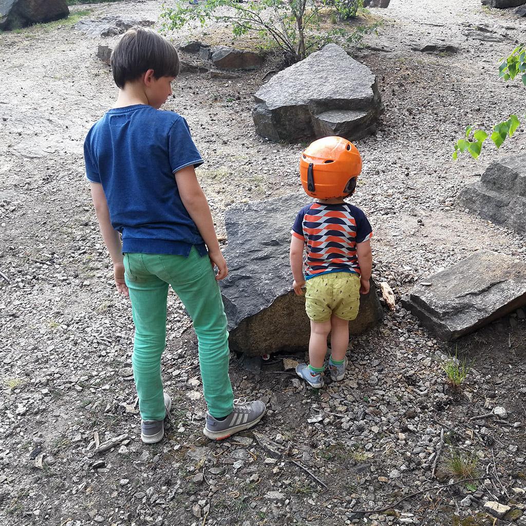 Schatzsuche für die Kleinsten: Leuchterot suchen