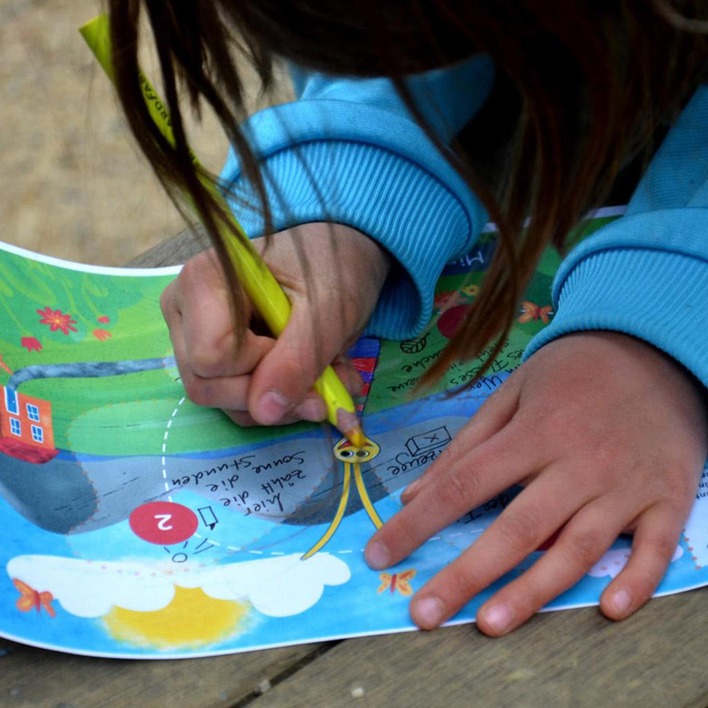 """Mini-Bildungs-Schatzsuche für Kindergartenkinder: """"Tausendschön sucht ihre Flügel"""": Kleine Ausmalpause"""