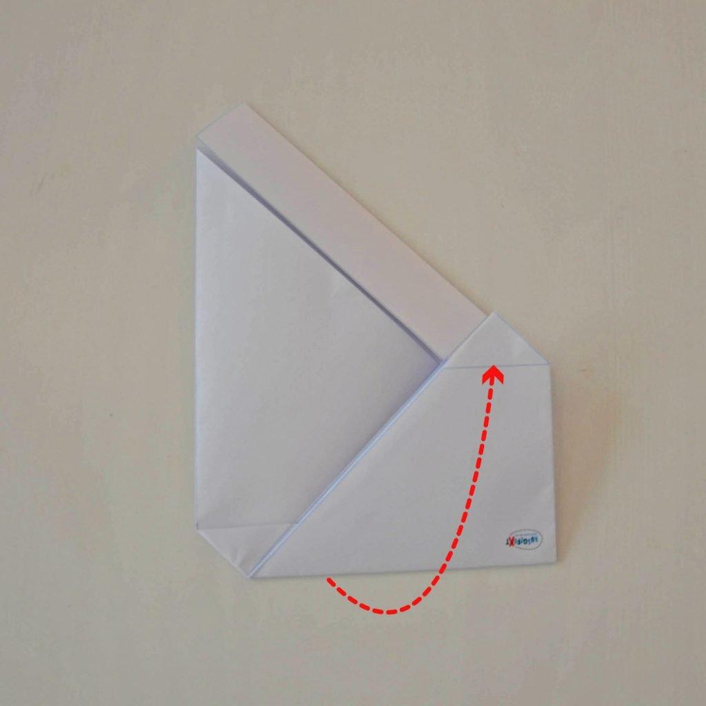 Einfache Briefumschläge basteln: Verschließen