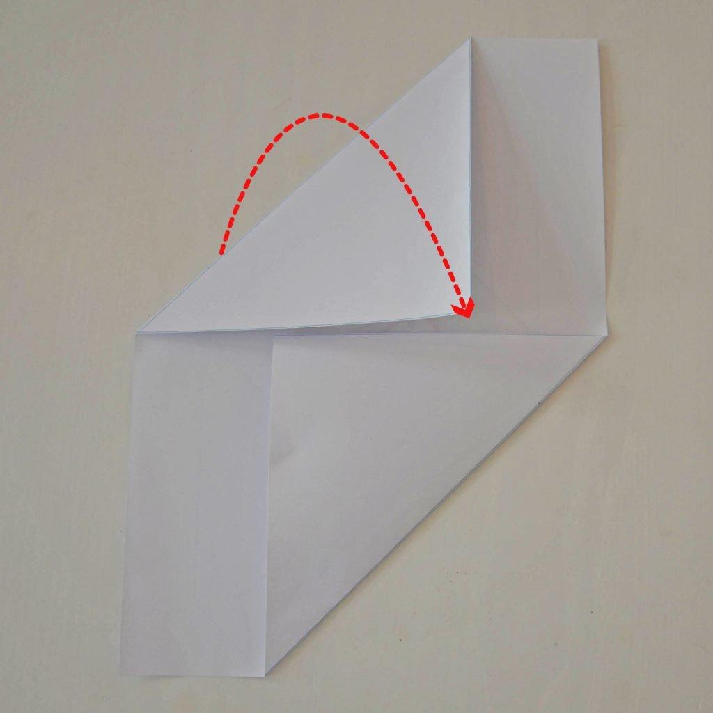 Einfache Briefumschläge basteln: Schritt 2