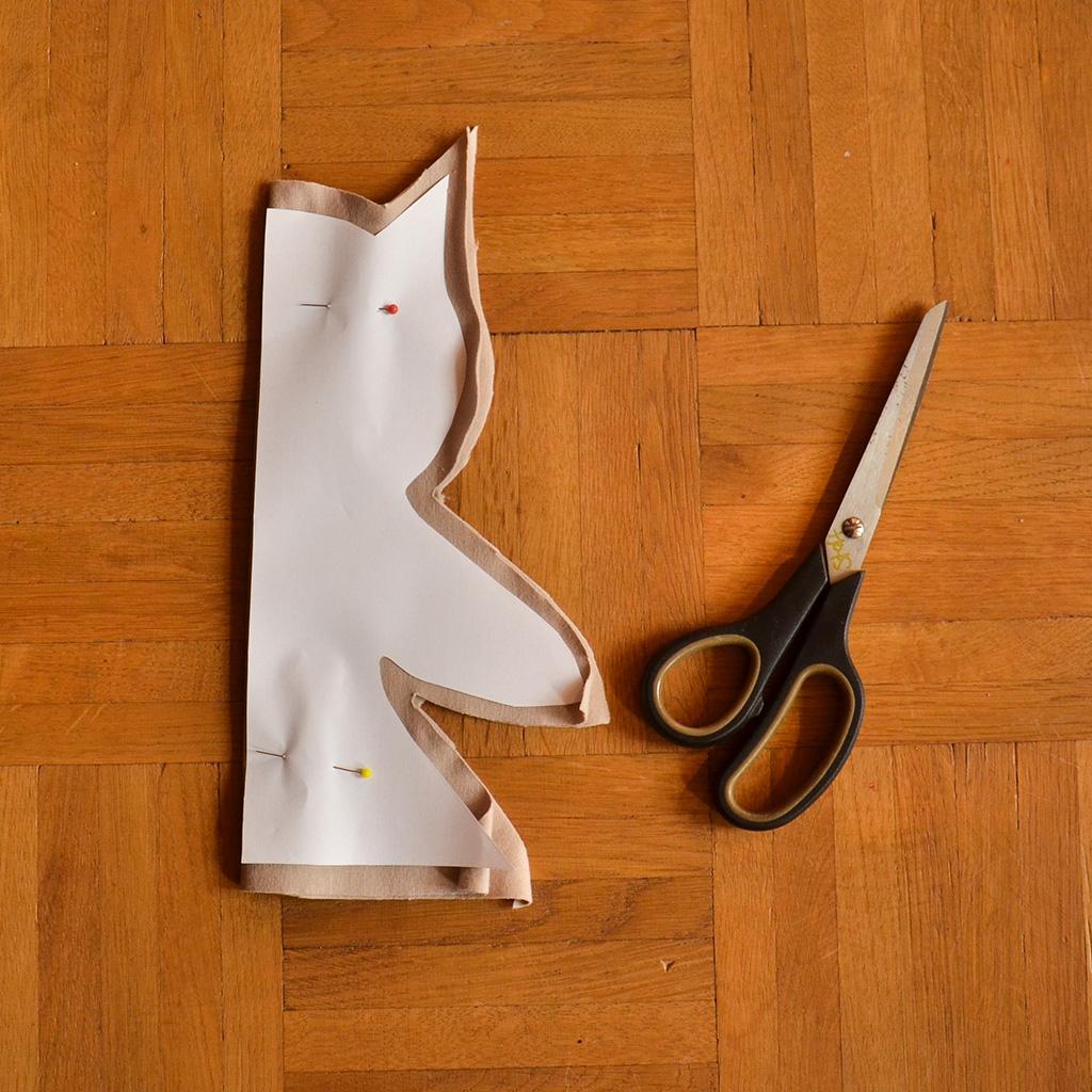Handpuppe zuschneiden
