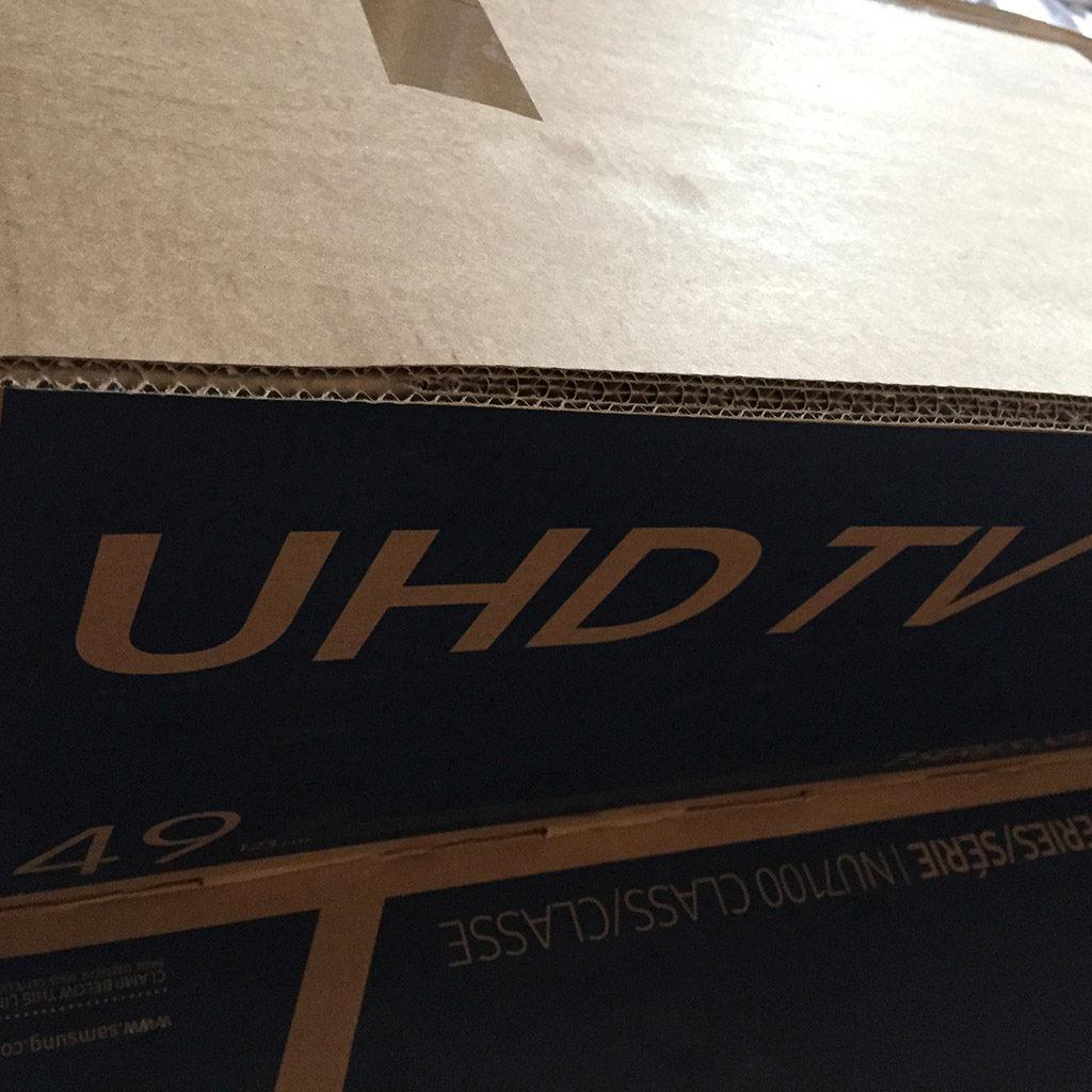 Raumschiff basteln: Kartons vorbereiten