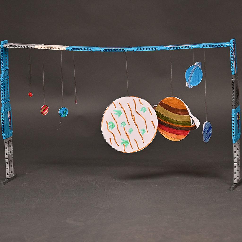 Planeten-Ausmalbild als Sonnenssystem mit Lego-Gestell