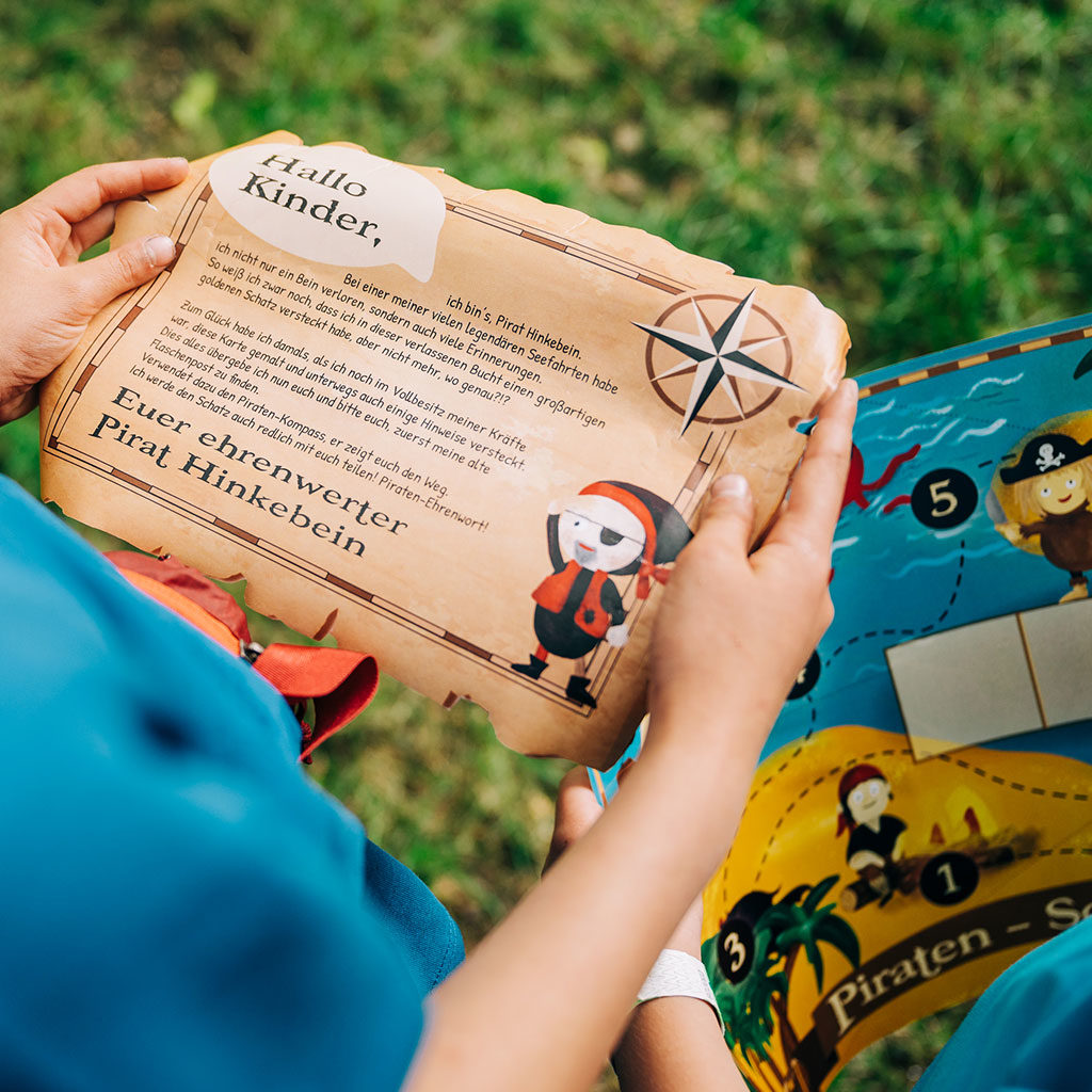 """Die Geschichte der Piraten-Schatzsuche """"Hinkebein sucht seinen Schatz"""""""