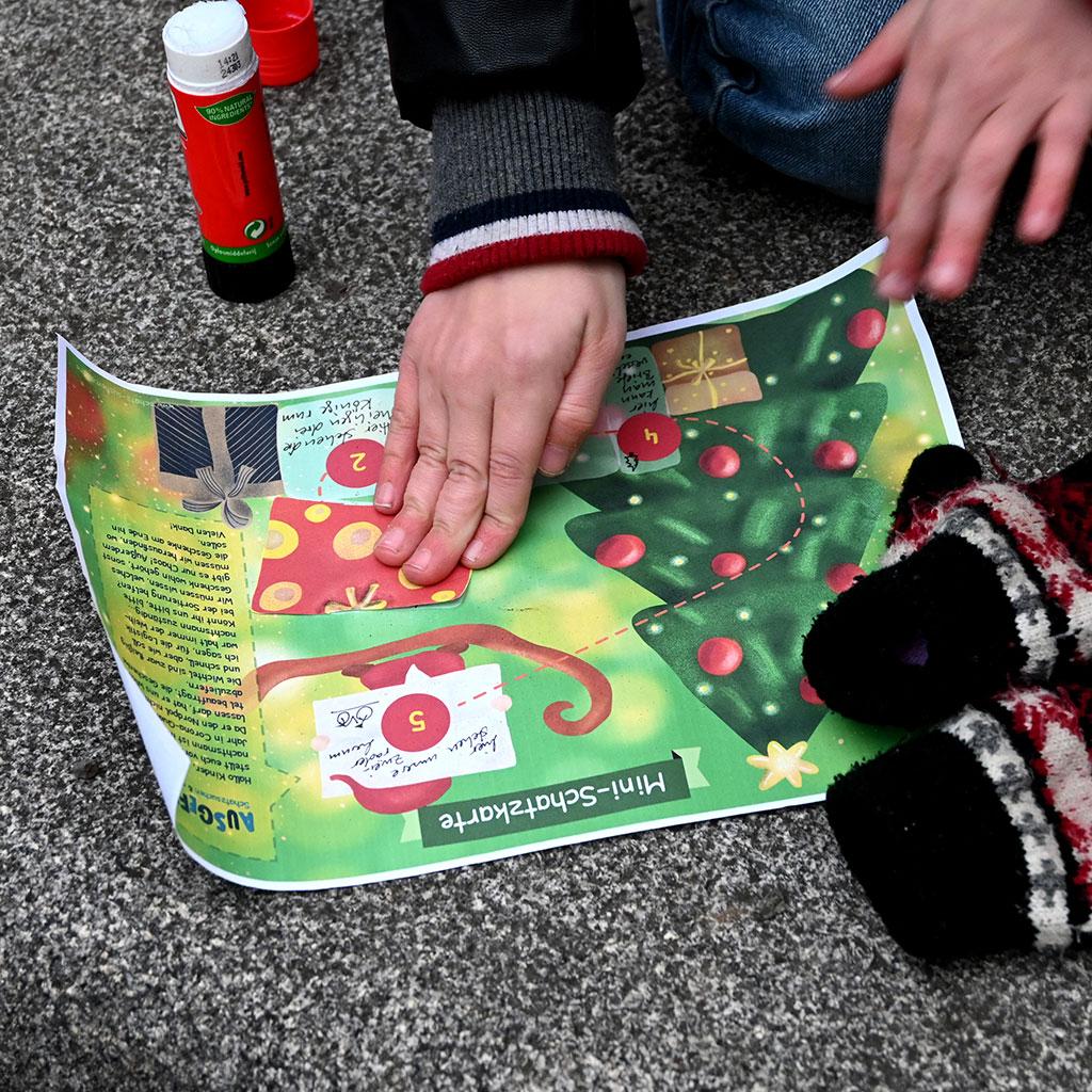 Die Weihnachtsschatzsuche spielen