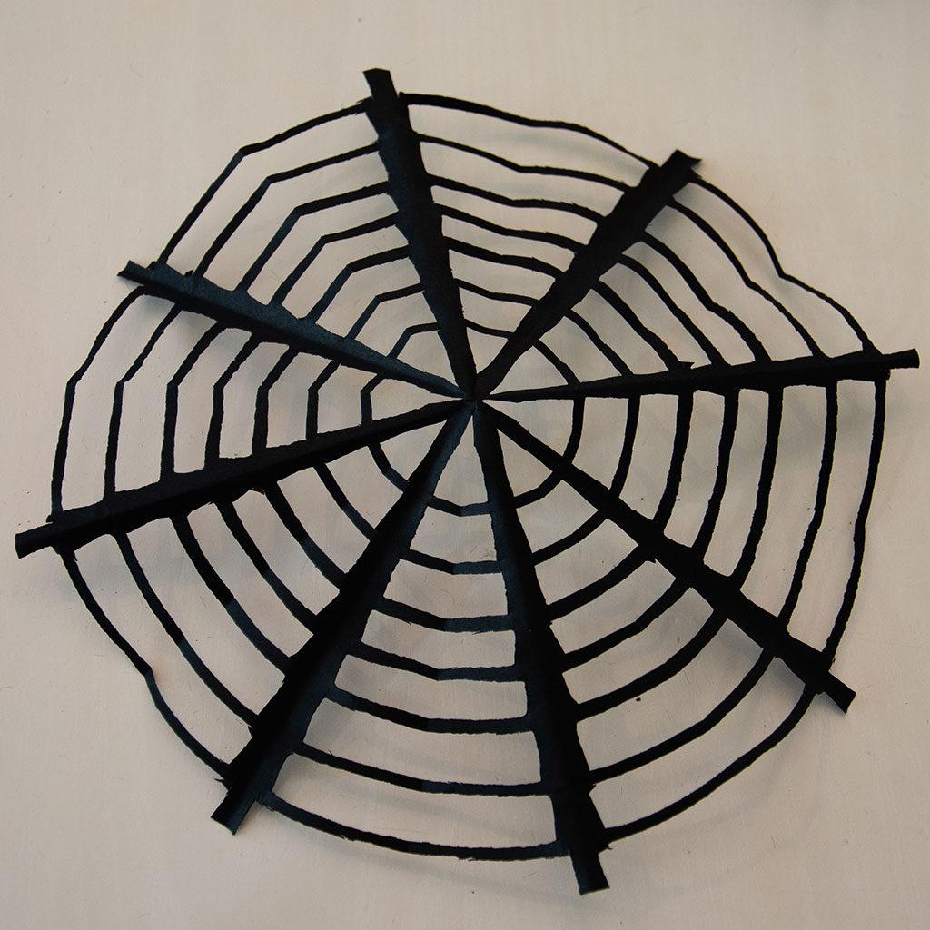 Das Spinnennetz basteln