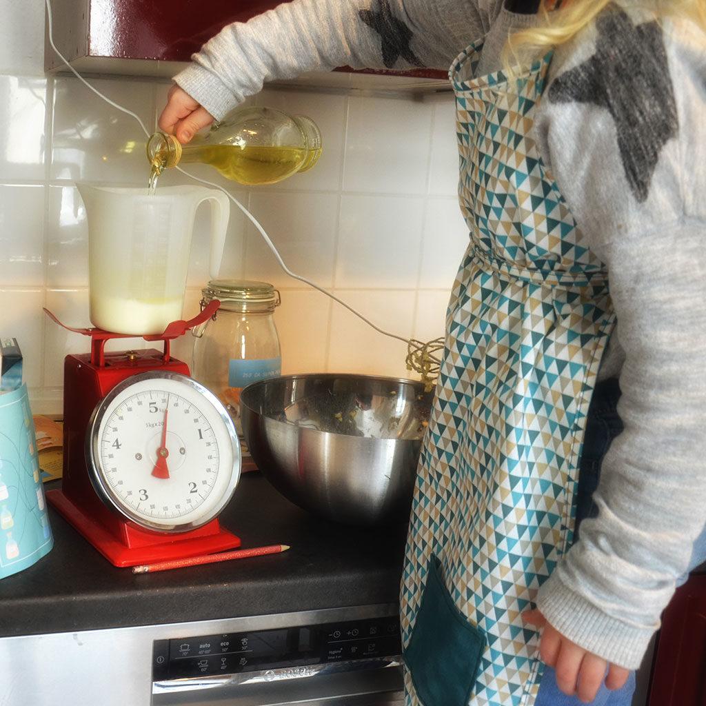 Eine Schürze für fleißige Küchenhelfer