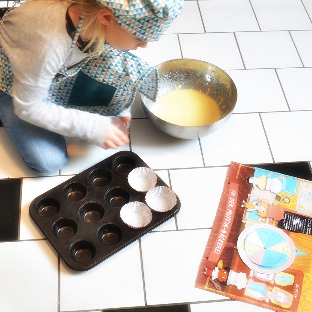 Muffins in die Form füllen