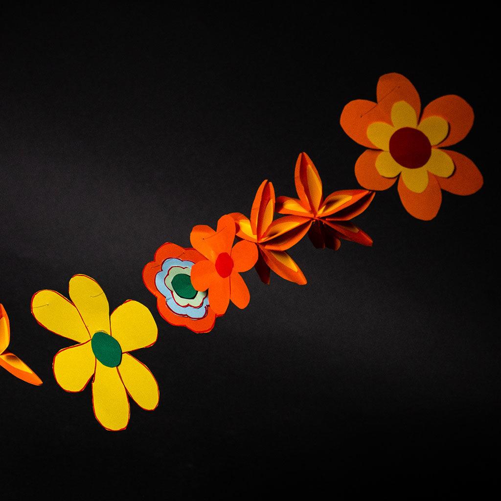 Blumen basteln: Girlande