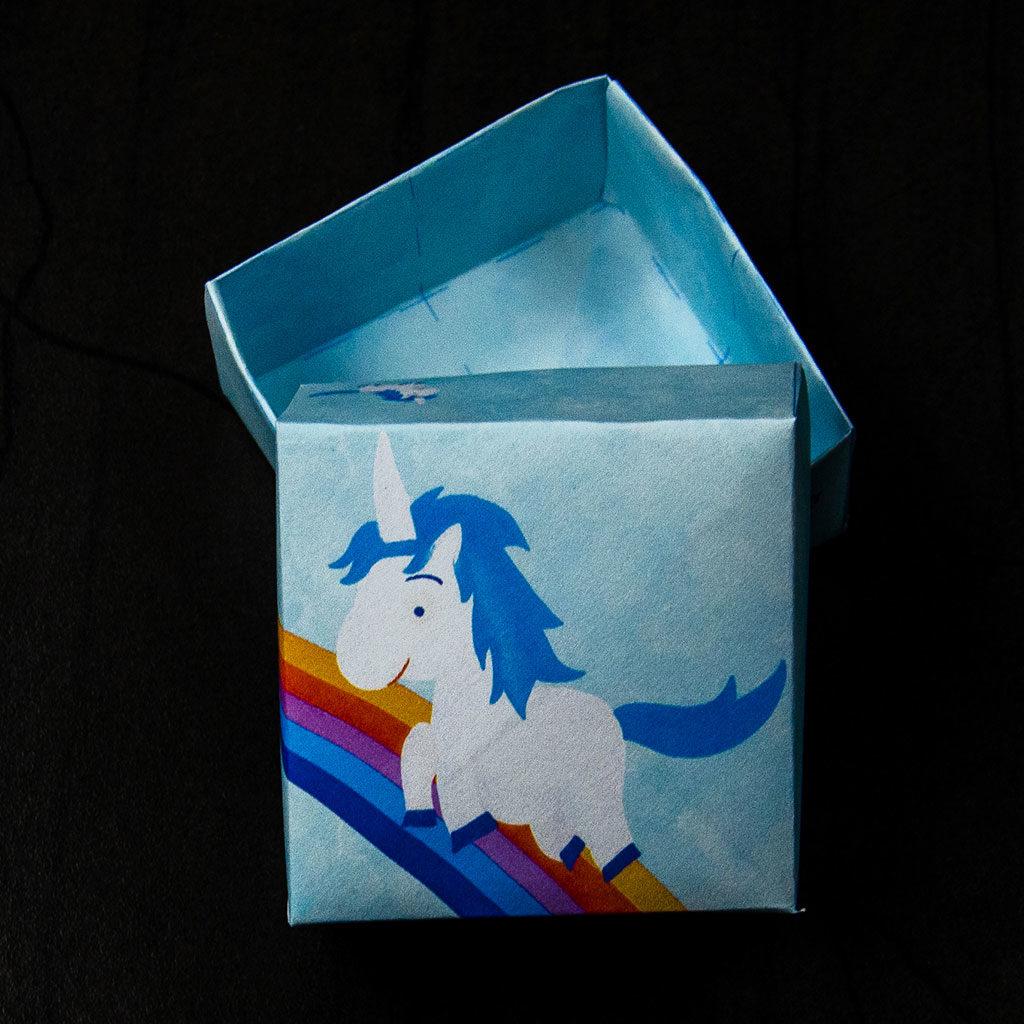 Kleine Schachteln basteln: Einhorn-Motiv