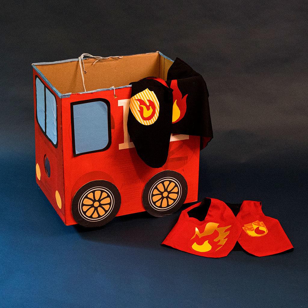 Feuerwehr-Weste und Feuerwehr-Auto